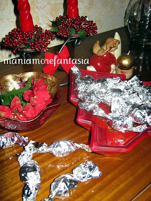 Ovetti di cioccolato ripieni da mani amore e fantasia su - Bagno di cioccolato ...