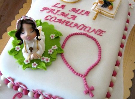 Torta decorata Prima Comunione in fucsia