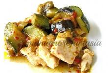 Bocconcini di pollo con ortaggi estivi