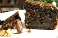 Torta di pane al caffè con noci e ciocco bianco