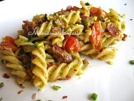 Ricetta pasta con pesto e cozze