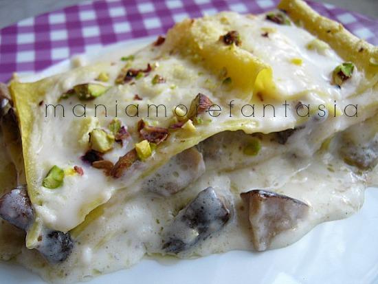 lasagne ai funghi gorgonzola e pistacchi