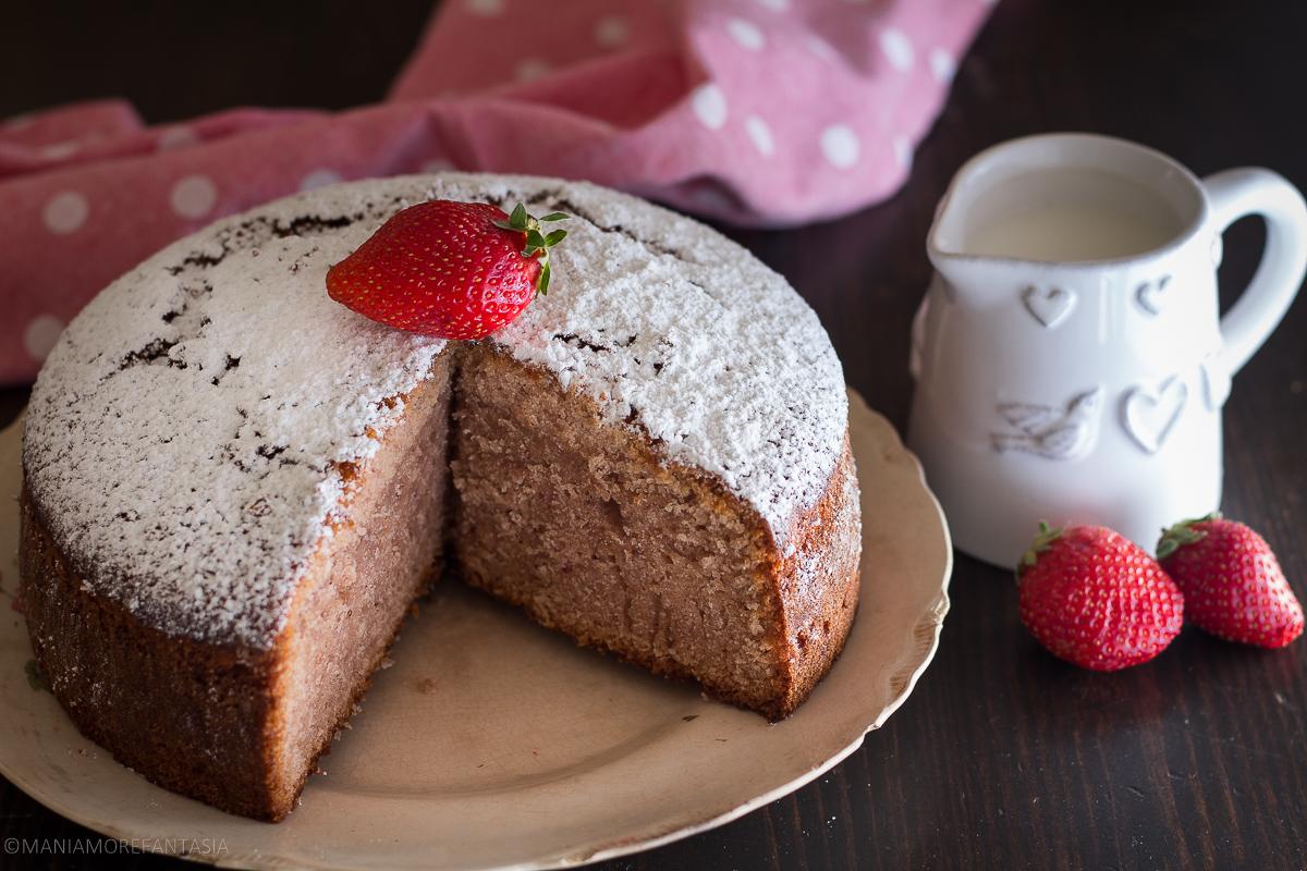 torta fior di fragola con panna nell'impasto