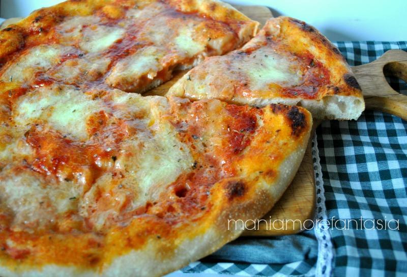 Impasto per la pizza con lievito madre mani amore e for Pizza con planetaria