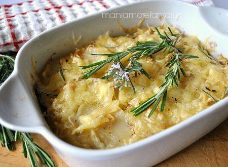 Sformato di patate e cipolle al formaggio