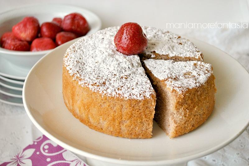 torta fior di fragola, torta di fragole,ricette con le fragole