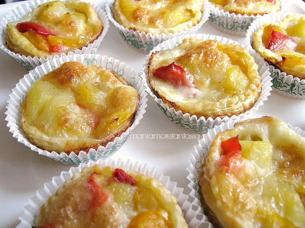 tartellette ai peperoni e patate con pasta sfoglia