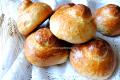 Brioche col tuppo per granita, ricetta siciliana