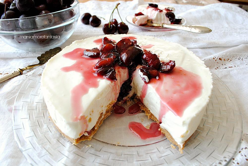 cheesecake ciliegie e cioccolato bianco, senza colla di pesce