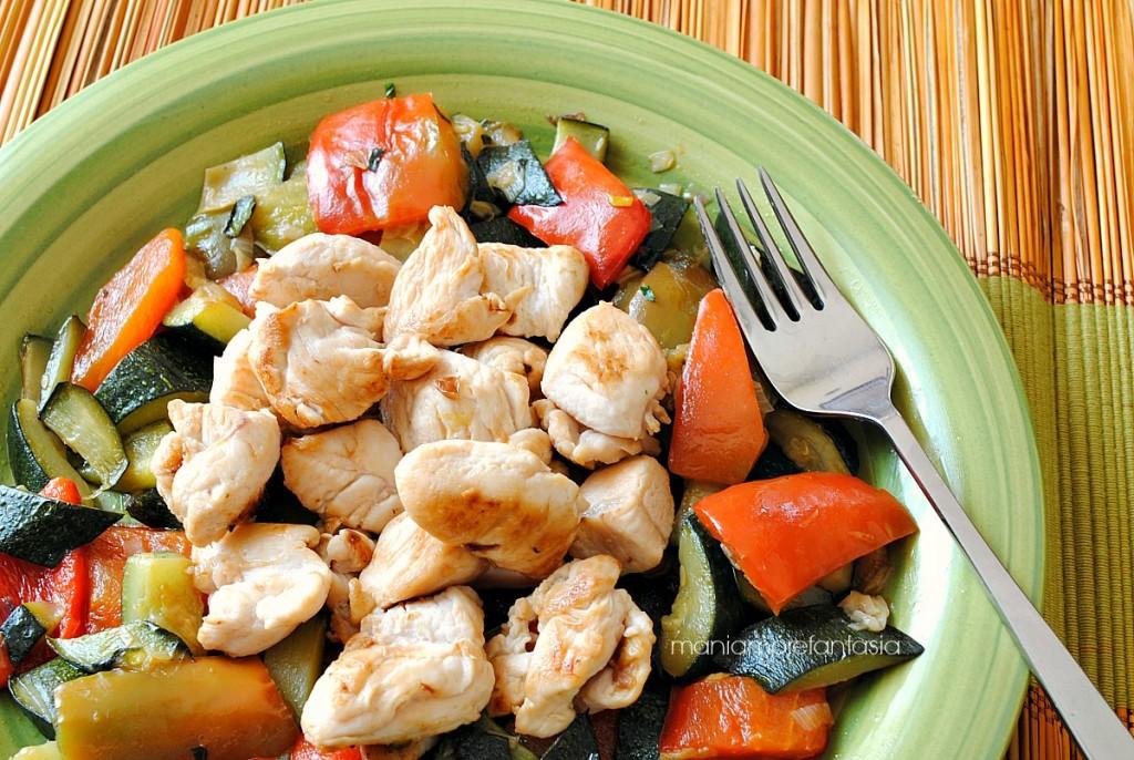 pollo zucchine e peperoni
