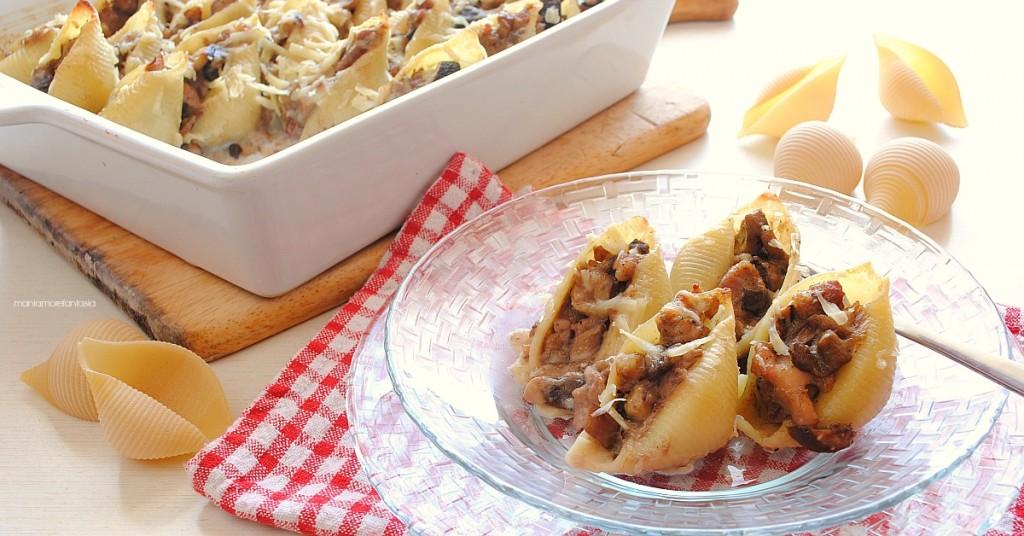 conchiglioni ripieni di salsiccia e funghi porcini