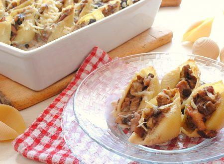 Conchiglioni ripieni con salsiccia e funghi porcini