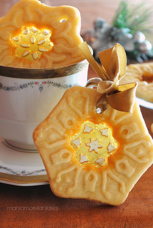 Biscotti Di Natale Effetto Vetro.Biscotti Di Vetro Con Pasta Frolla E Cuore Di Caramella Dolci Da