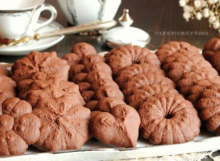 Pasta frolla al cioccolato per sparabiscotti