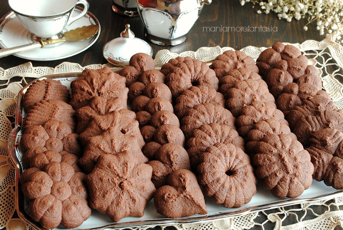 pasta frolla al cacao per sparabiscotti
