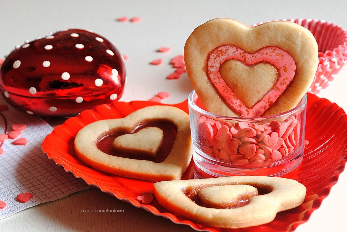 biscotti a forma di cuore san valentino con vetrino