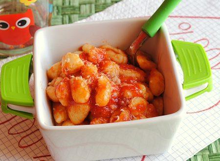 Chicche di patate e parmigiano al pomodoro