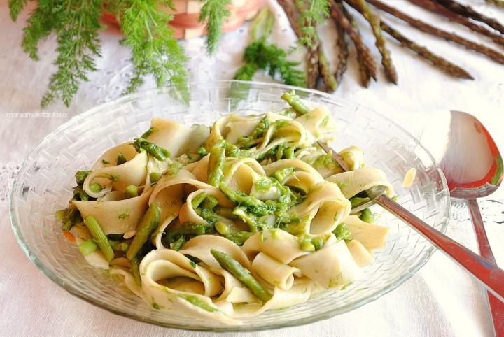 pasta con asparagi e finocchietti