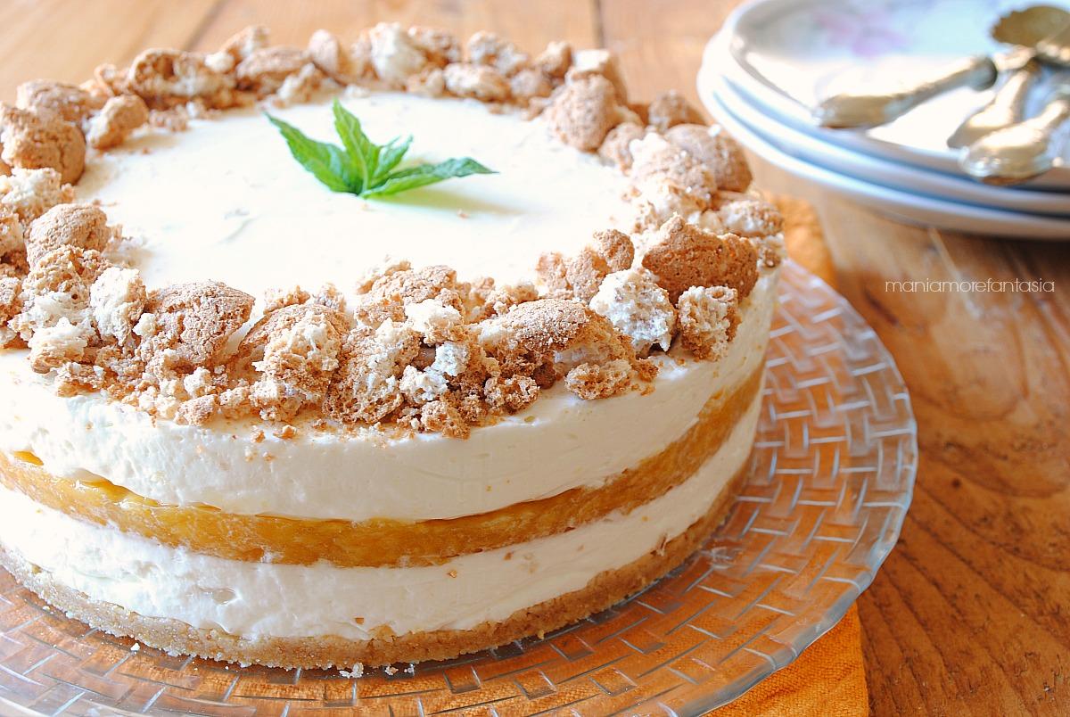 cheesecake pesche e amaretti senza cottura