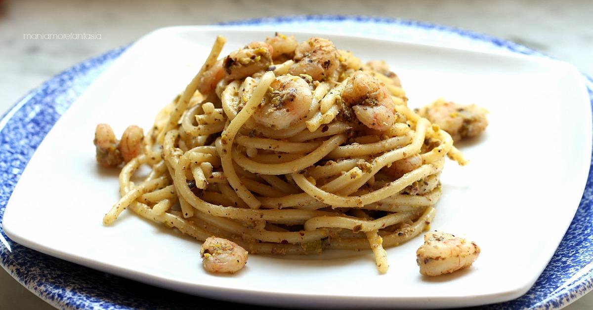 Pasta gamberetti e pistacchi