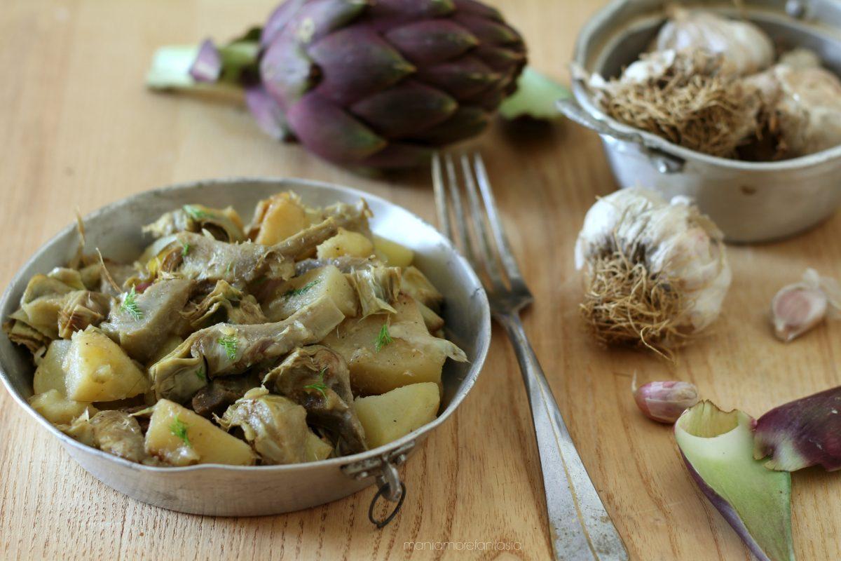 contorno di carciofi e patate in padella