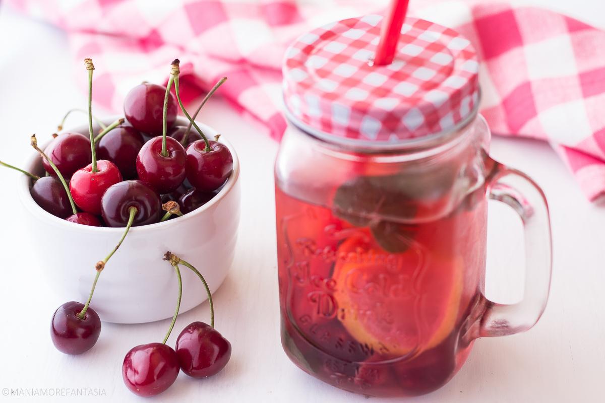acqua depurativa alle ciliegie