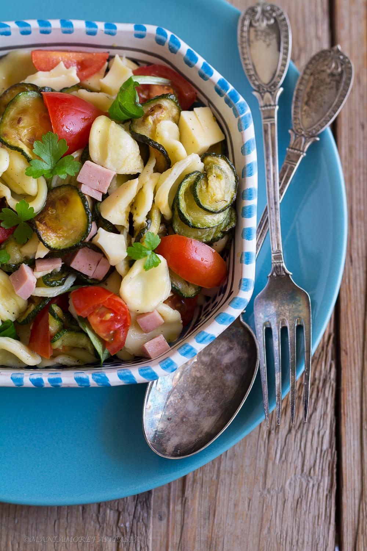orecchiette con zucchine e pomodorini