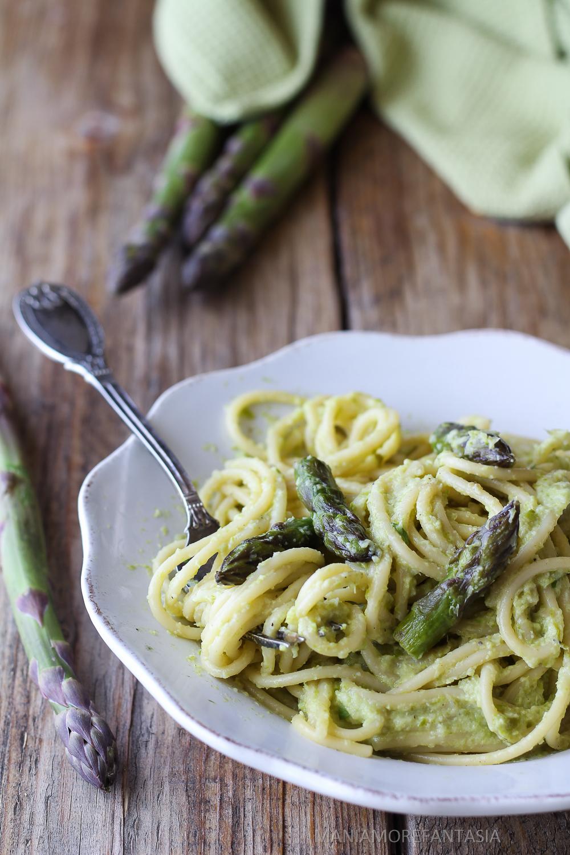 spaghetti alla crema di asparagi