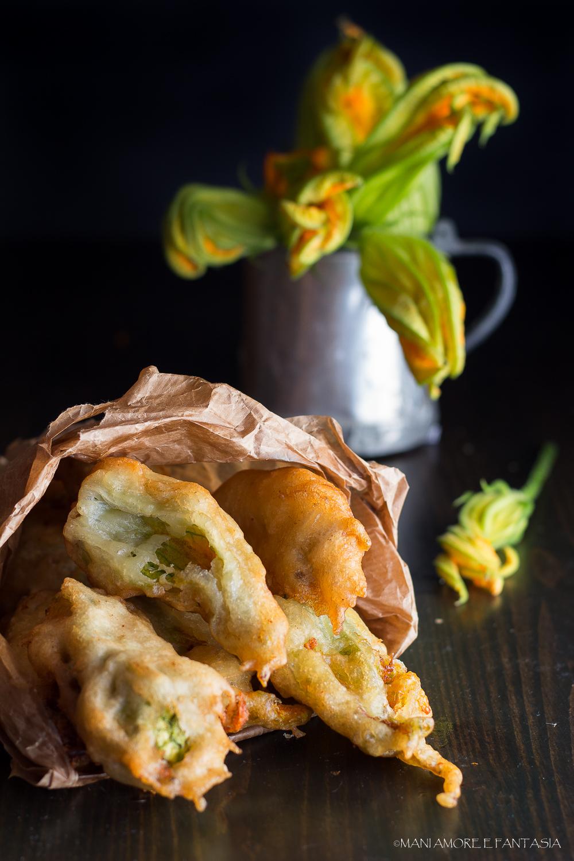 Fiori di zucca in pastella fiori di zucca fritti for Pastella per fiori di zucca fritti