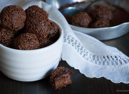 BRIGADEIROS, dolcetti al cioccolato fondente facilissimi!