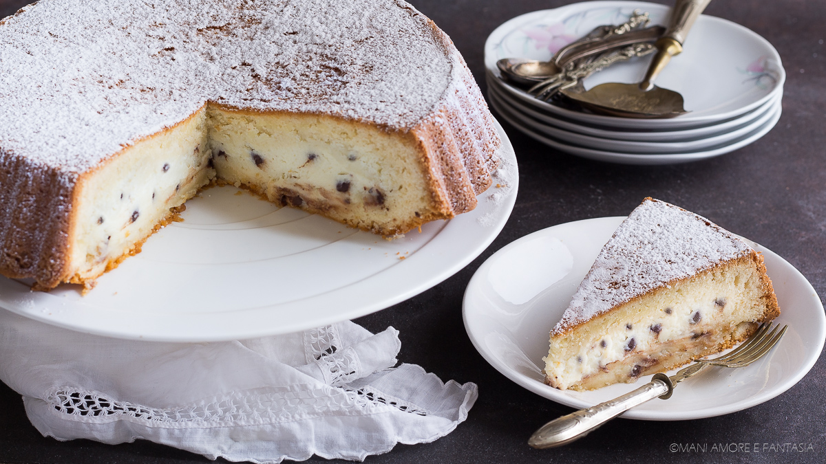 torta con ripieno ricotta e cioccolato