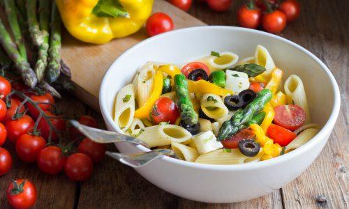 INSALATA DI PASTA CON ASPARAGI E PEPERONI, un piatto fresco buonissimo!