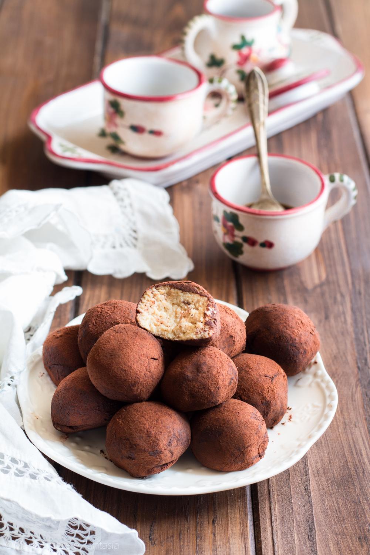 tartufini tiramisù con biscotti