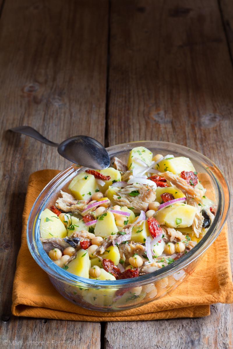 insalata di patate ceci e sgombro