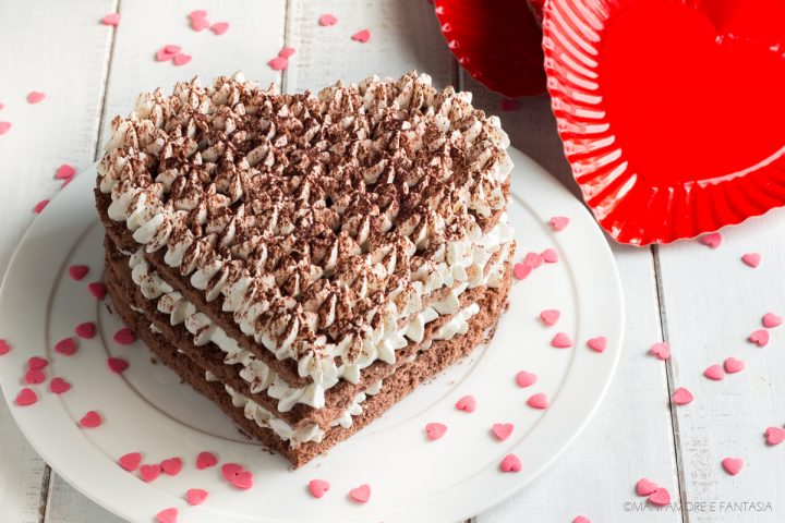 torta a forma di cuore senza stampo