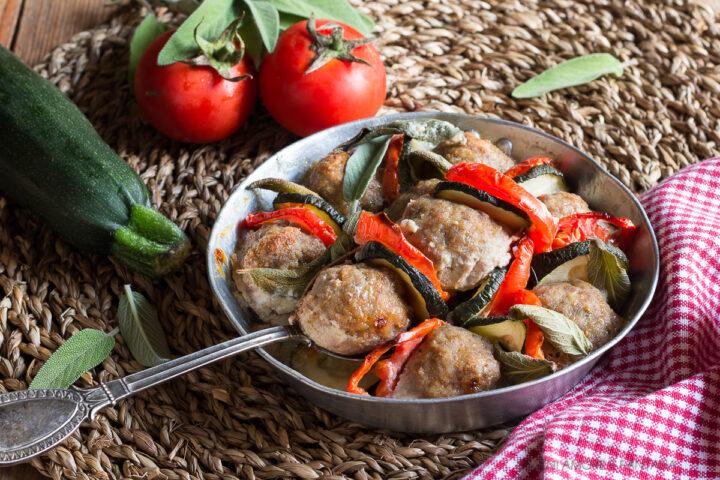 polpette con zucchine e pomodori