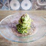 Tagliolini con crema di broccoli, noci e granella di mandorle
