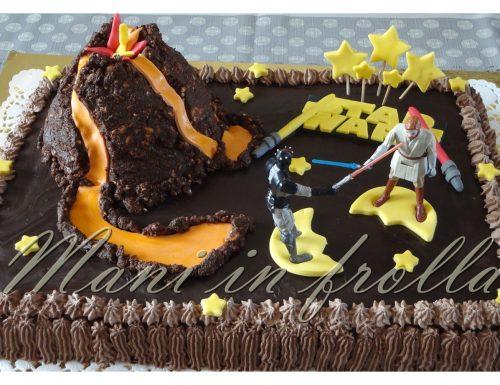 Torta di compleanno Star Wars con vulcano