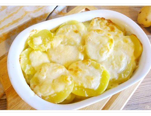 Patate gratinate al forno con formaggio filante