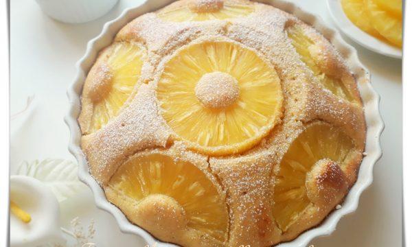 Torta all'ananas soffice e veloce
