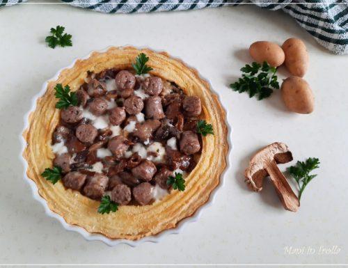 Gateau di patate con funghi e salsiccia