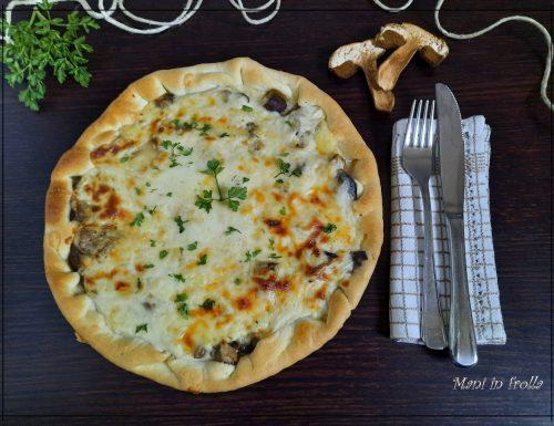 Torta salata con funghi e formaggio