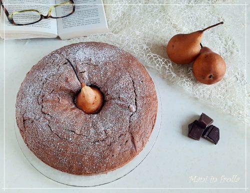 Torta soffice al cioccolato con pere