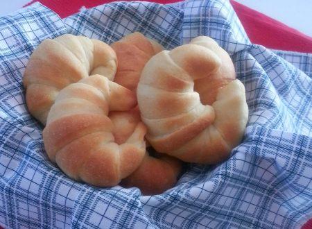 Soffici croissants, ricetta dolce