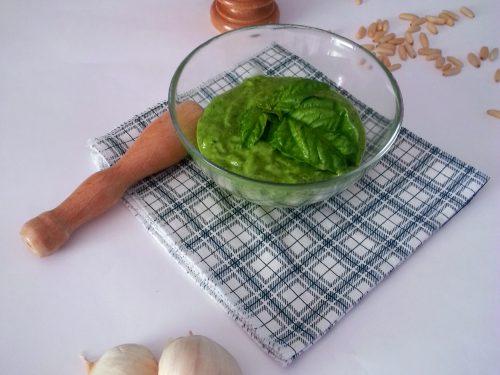 Pesto di basilico, ricetta facile