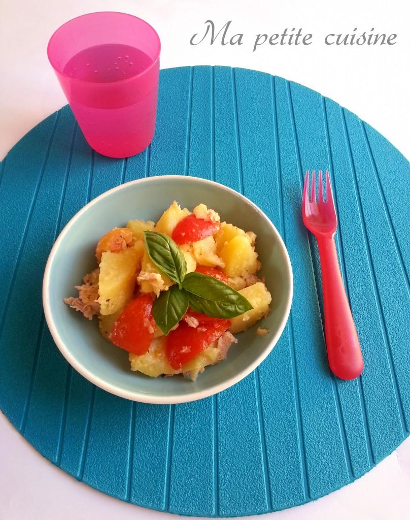 Insalata di patate, tonno e pomodori
