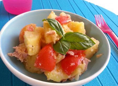 Insalata di patate tonno e pomodori