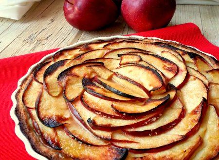 Crostata alla crema pasticcera e mele