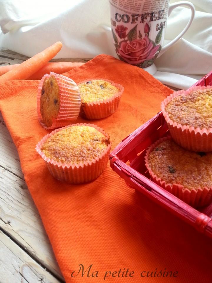 Muffin alle carote con gocce di cioccolato
