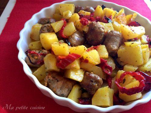 Patate e peperoni con salsiccia video ricetta